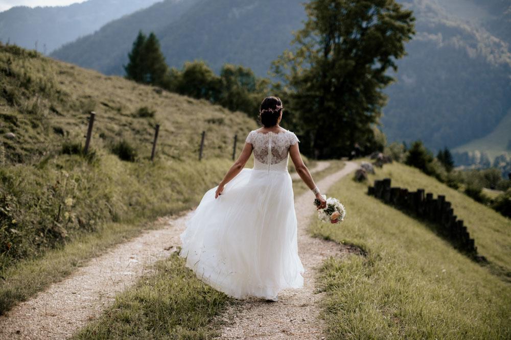rustic barn wedding photographer munich 100