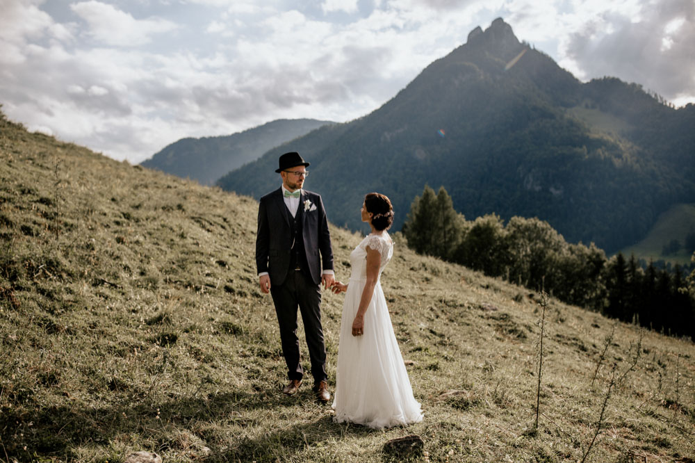 rustic barn wedding photographer munich 102