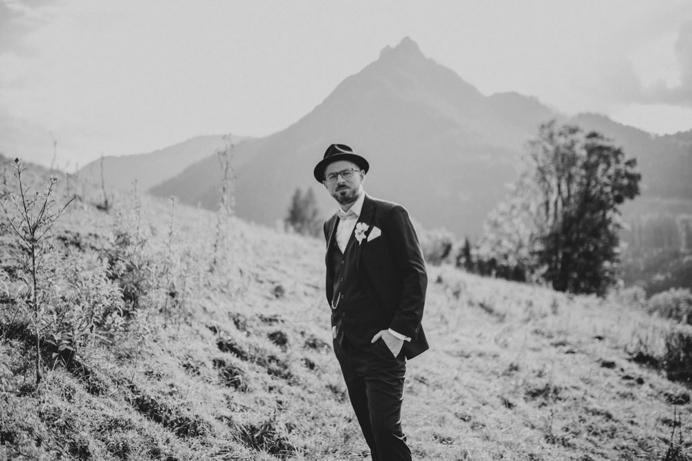 rustic barn wedding photographer munich 103