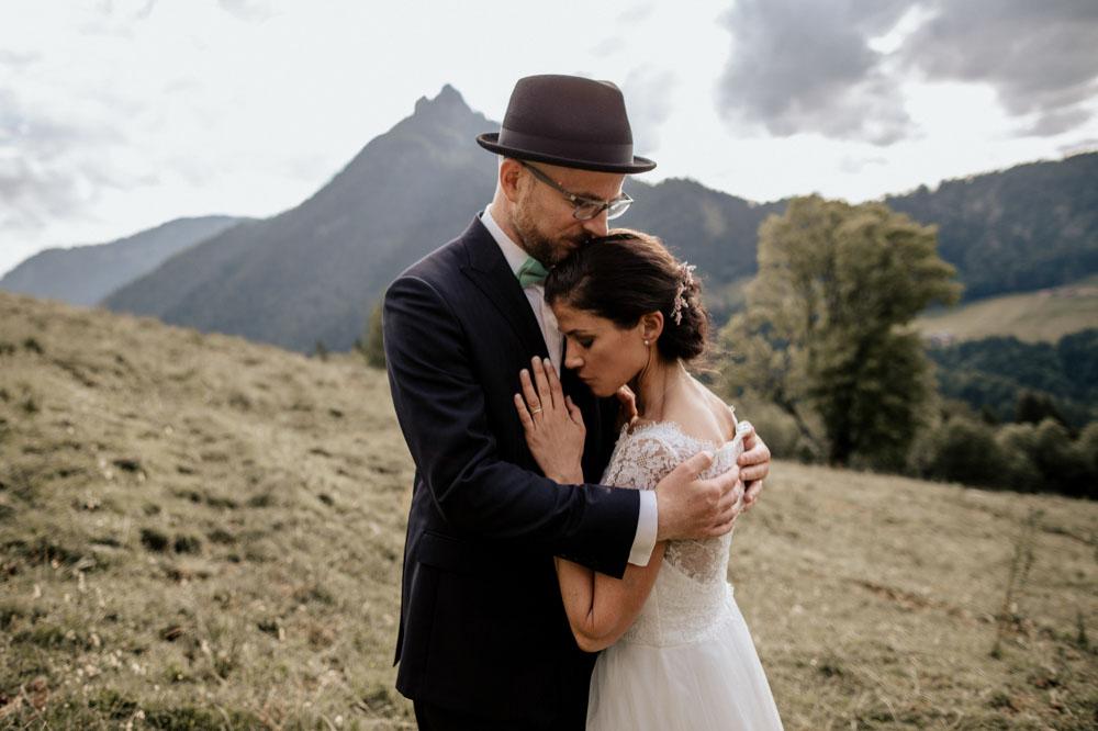 rustic barn wedding photographer munich 104