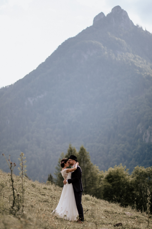 rustic barn wedding photographer munich 105