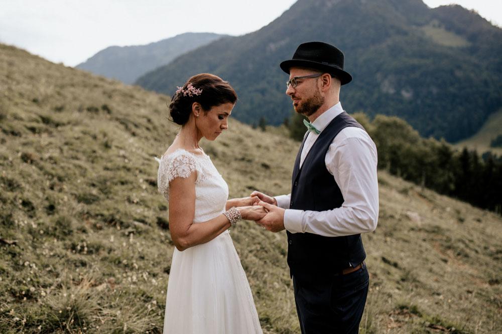 rustic barn wedding photographer munich 107