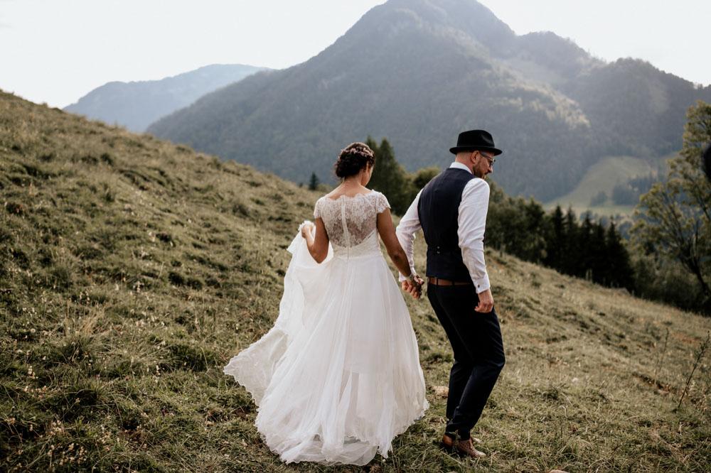 rustic barn wedding photographer munich 110