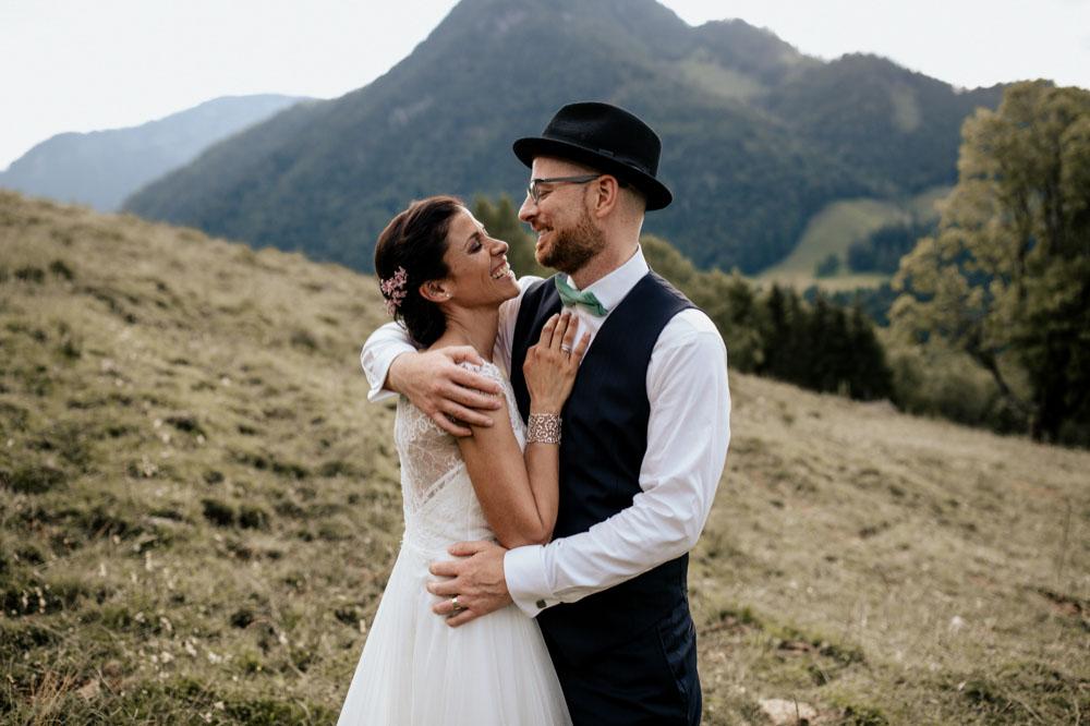 rustic barn wedding photographer munich 112
