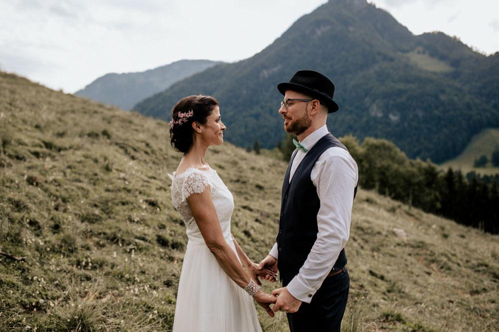 rustic barn wedding photographer munich 113