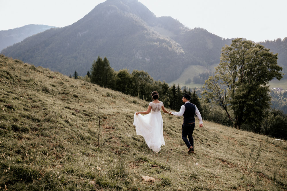rustic barn wedding photographer munich 115
