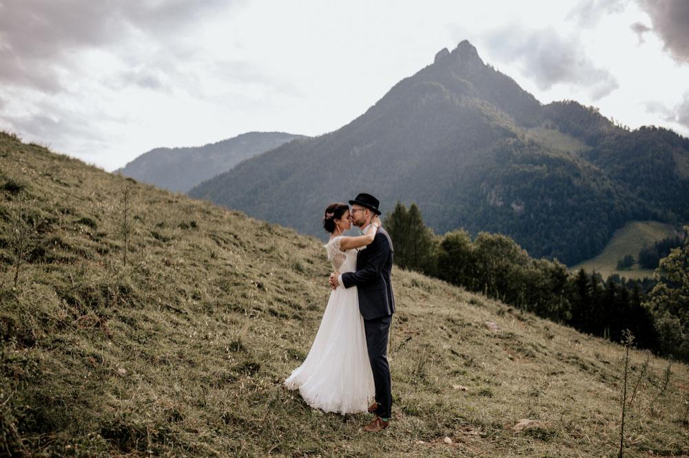 rustic barn wedding photographer munich 116