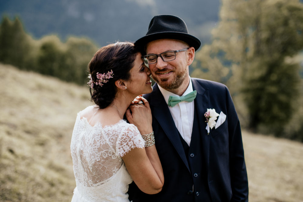 rustic barn wedding photographer munich 117