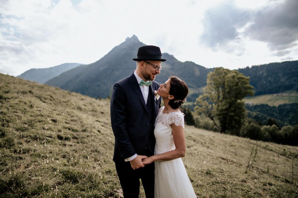 rustic barn wedding photographer munich 119