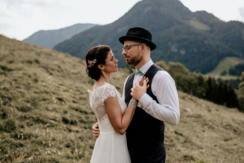 rustic barn wedding photographer munich 122