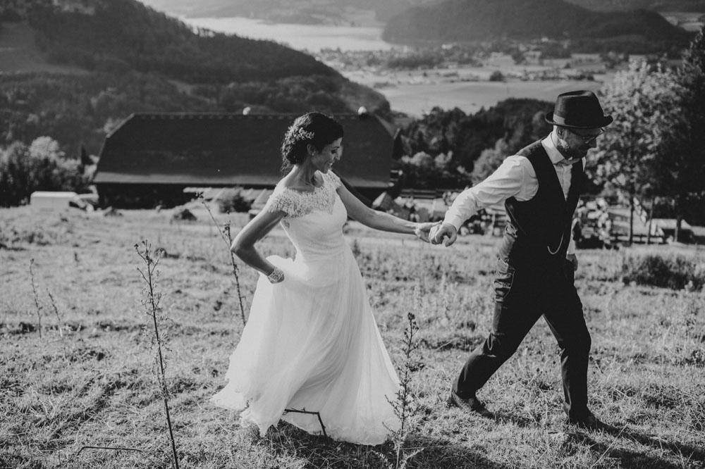 rustic barn wedding photographer munich 123