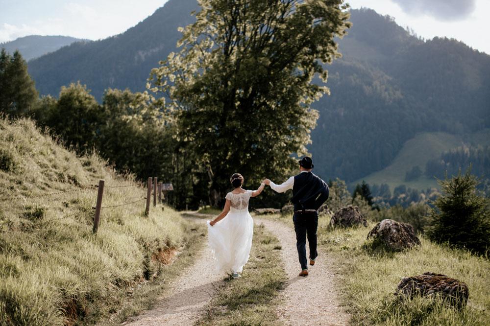 rustic barn wedding photographer munich 126