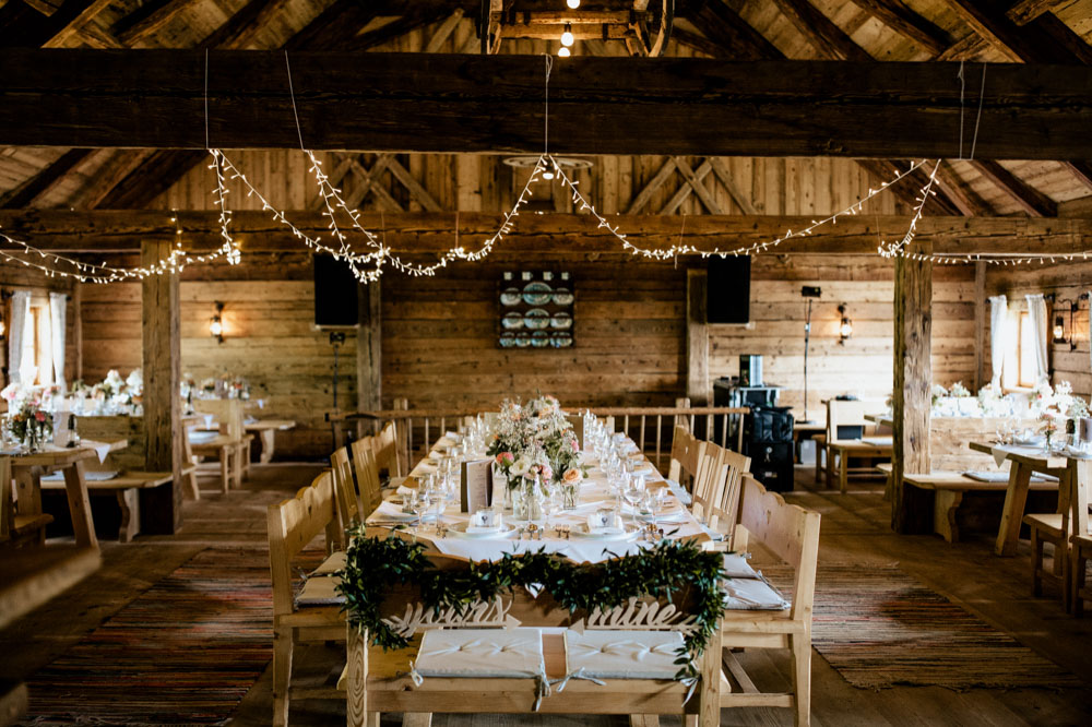 rustic barn wedding photographer munich 139