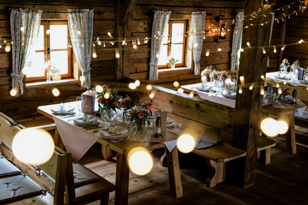 rustic barn wedding photographer munich 140