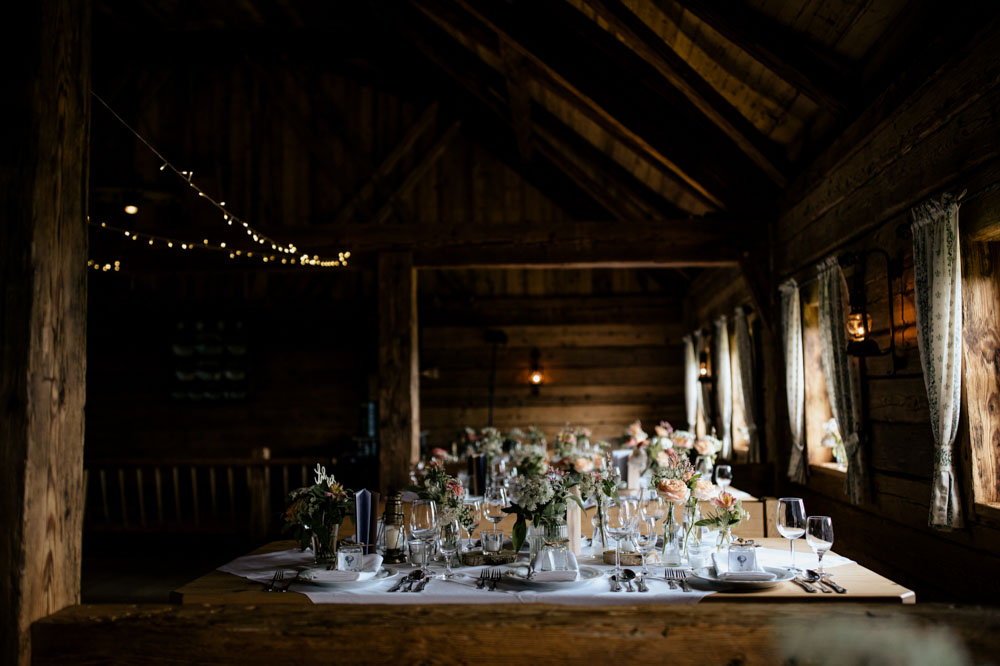 rustic barn wedding photographer munich 142