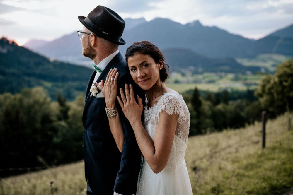 rustic barn wedding photographer munich 163