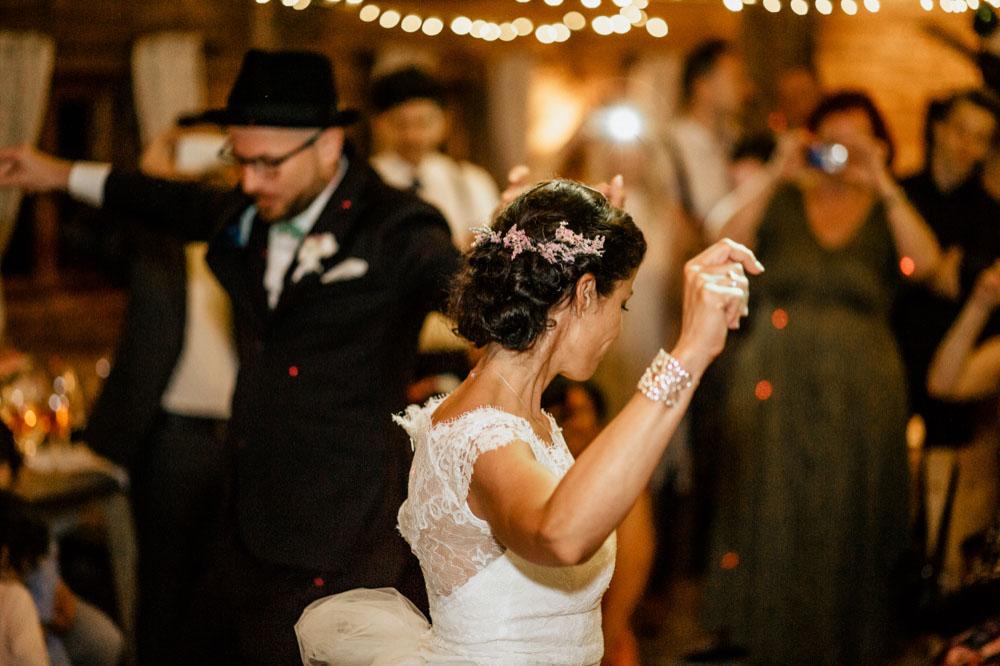 rustic barn wedding photographer munich 173