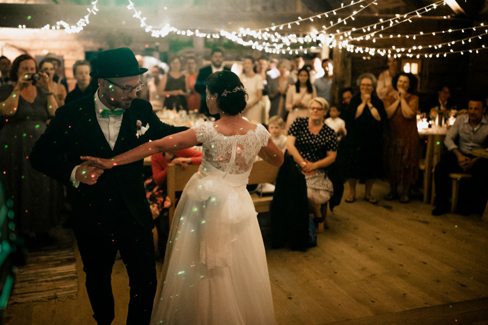 rustic barn wedding photographer munich 176