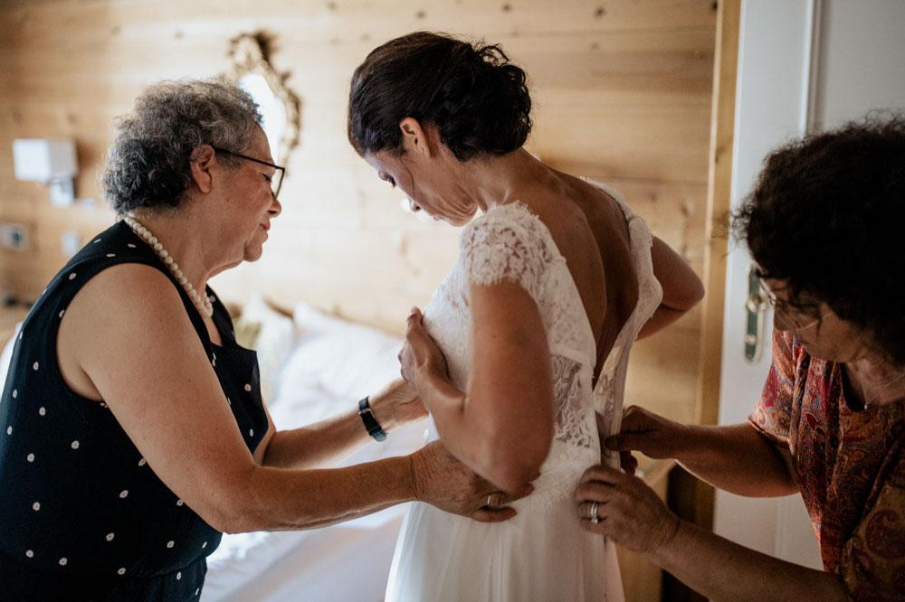 rustic barn wedding photographer munich 17b