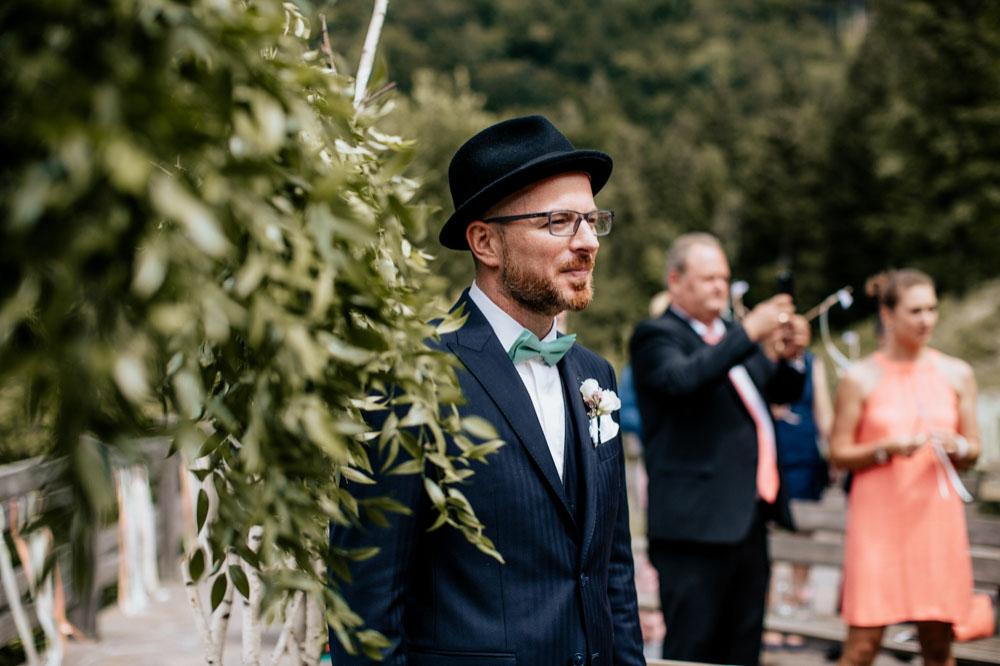 rustic barn wedding photographer munich 33