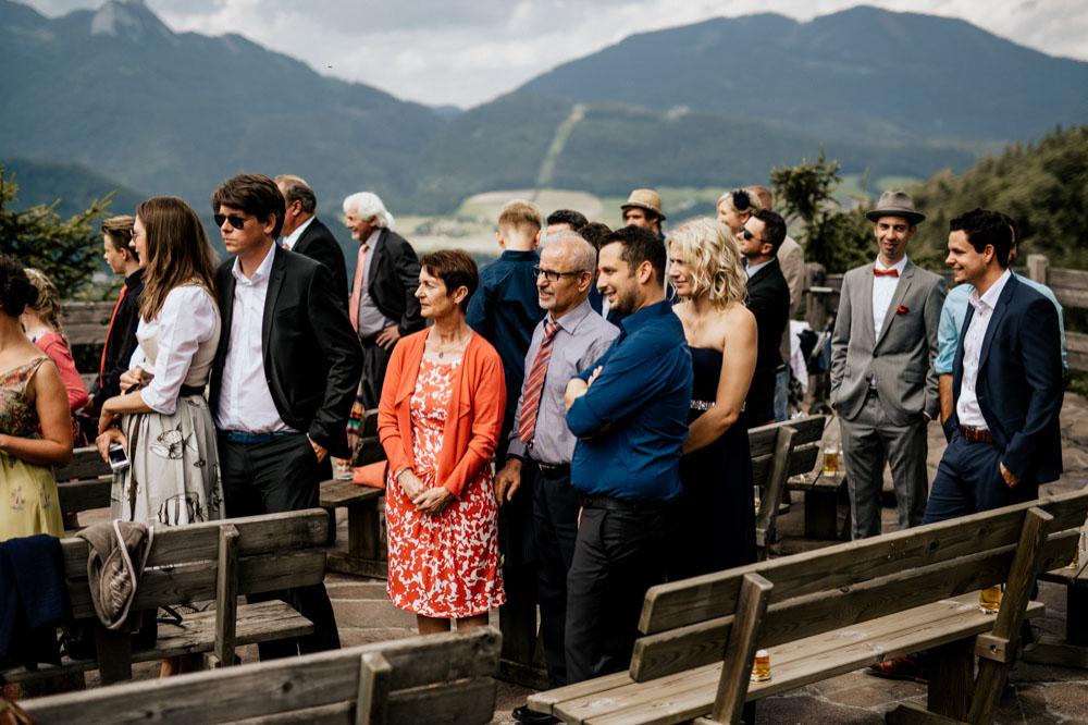 rustic barn wedding photographer munich 34