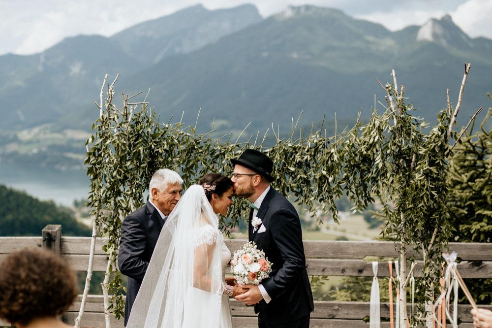 rustic barn wedding photographer munich 38