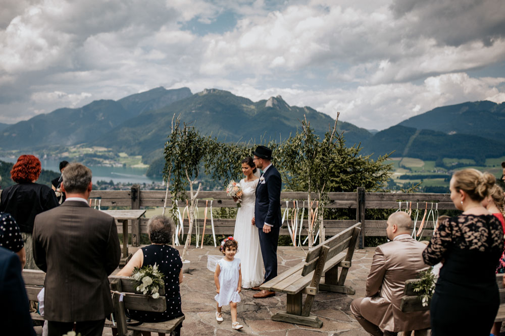 rustic barn wedding photographer munich 45