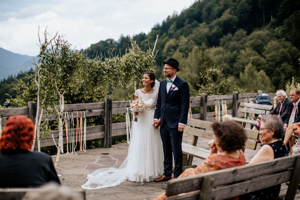 rustic barn wedding photographer munich 47