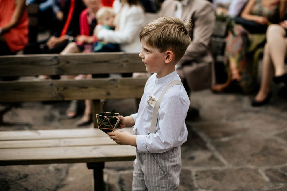 rustic barn wedding photographer munich 51