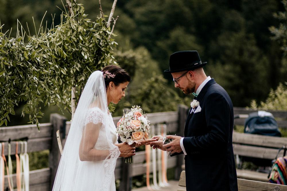 rustic barn wedding photographer munich 52
