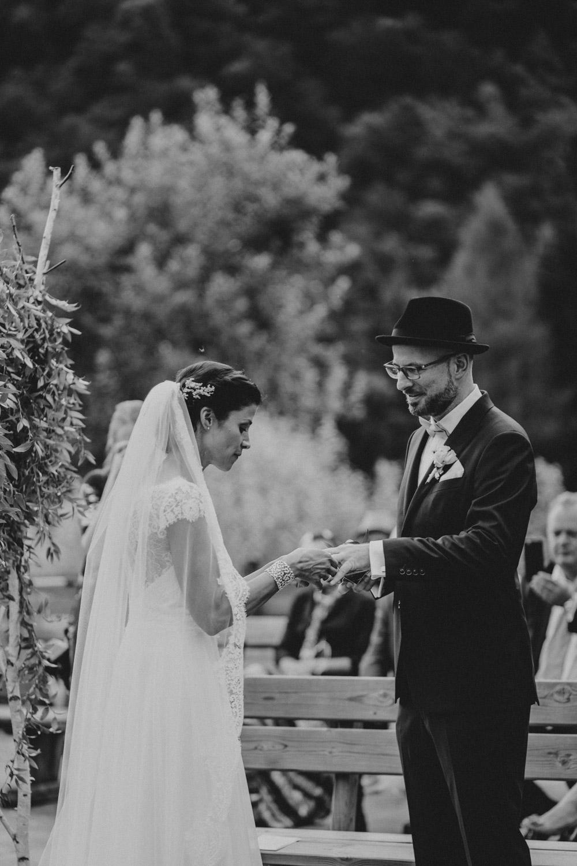 rustic barn wedding photographer munich 53