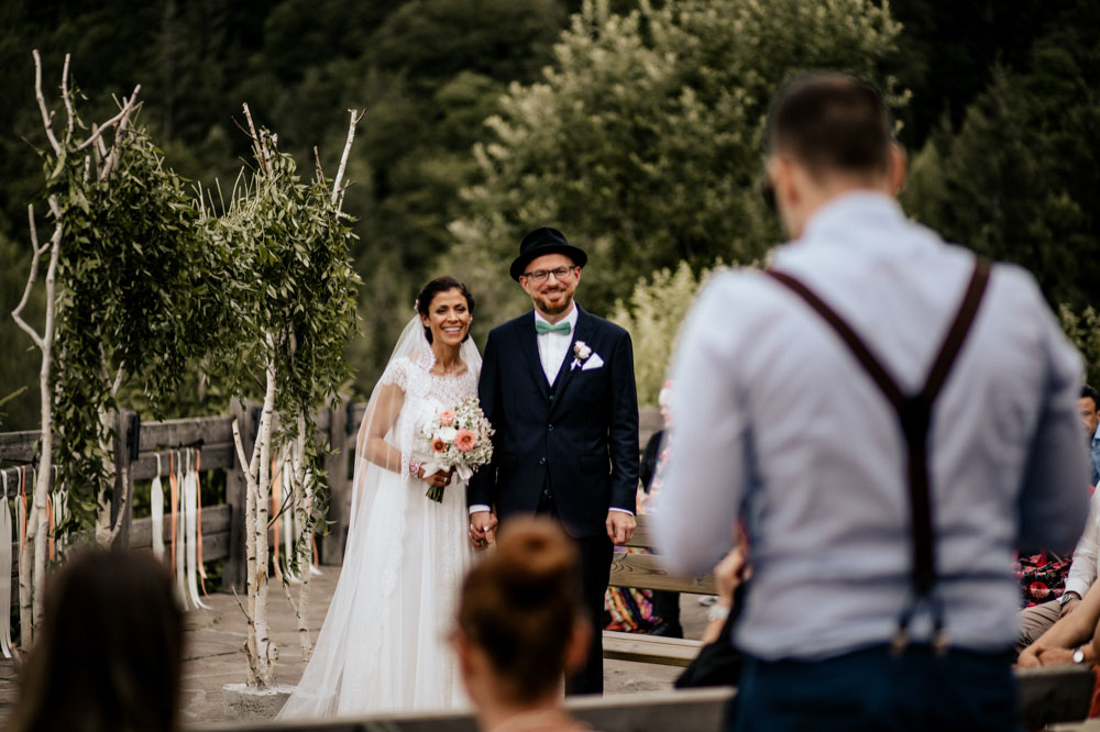 rustic barn wedding photographer munich 57