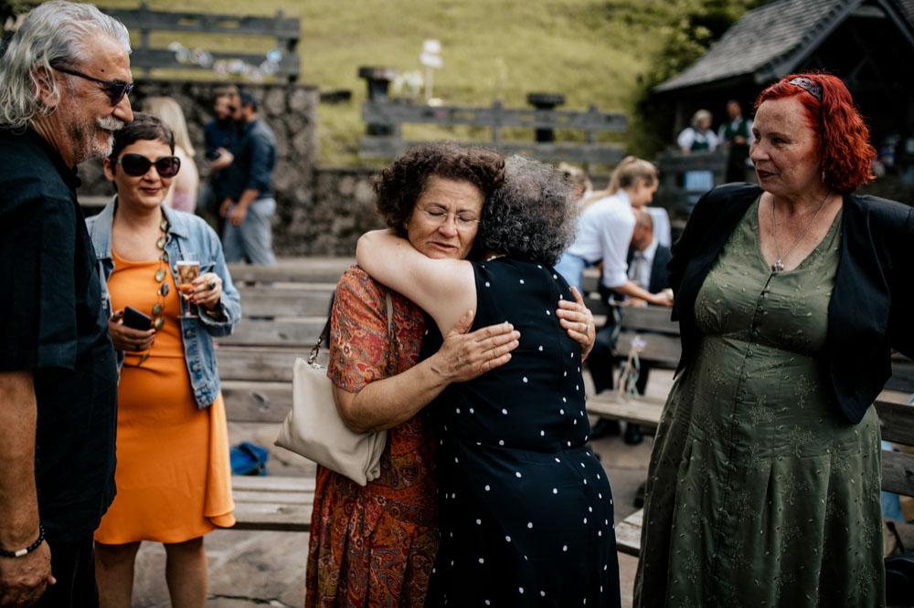 rustic barn wedding photographer munich 64