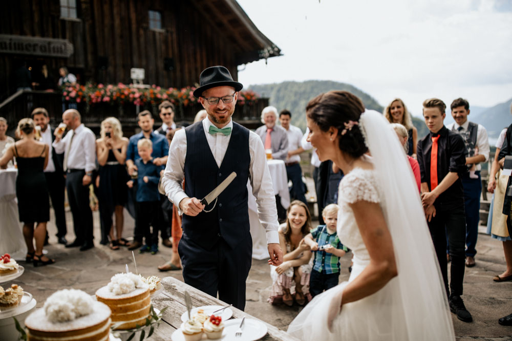 rustic barn wedding photographer munich 75