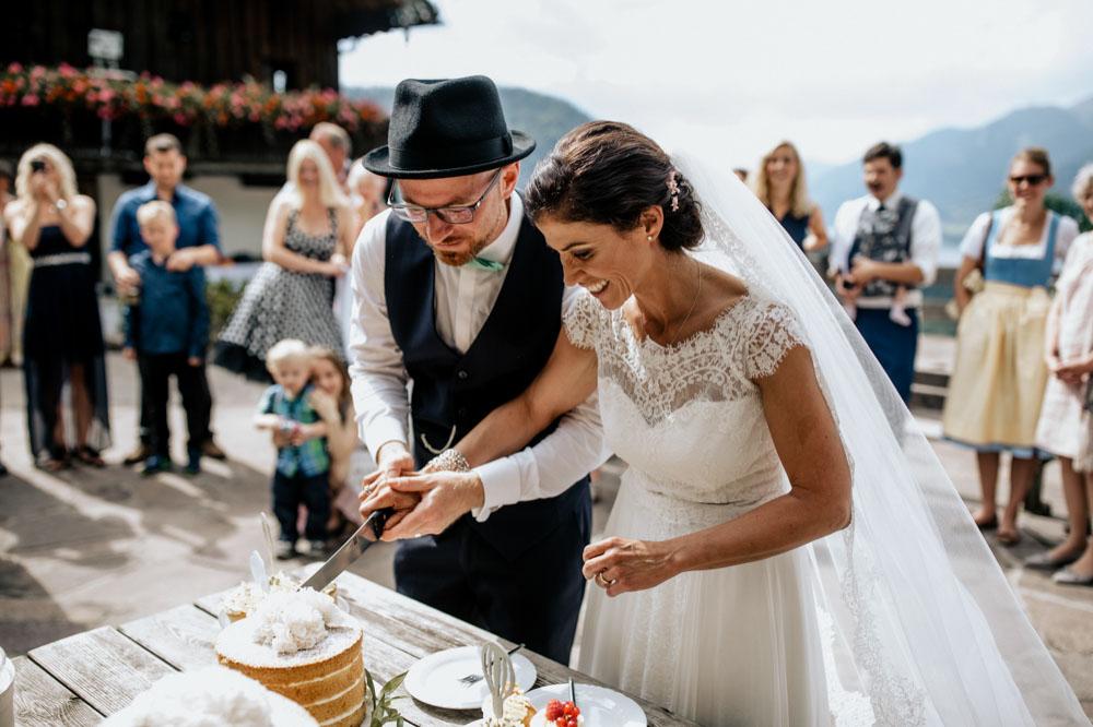 rustic barn wedding photographer munich 76