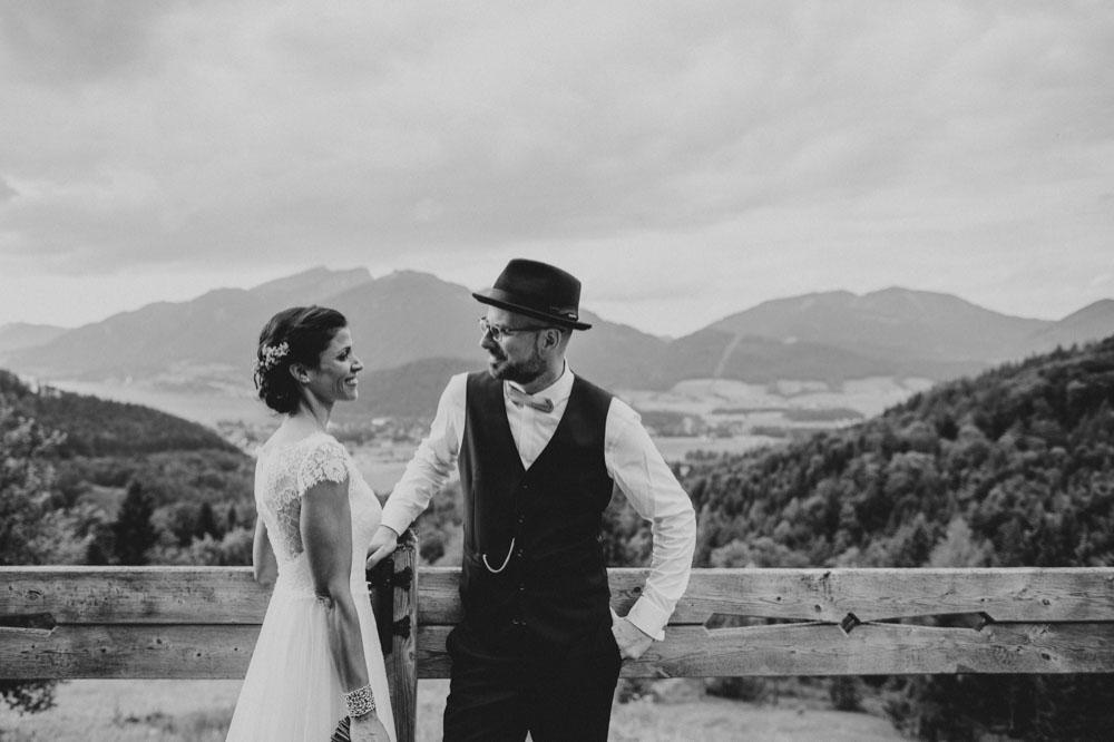 rustic barn wedding photographer munich 87