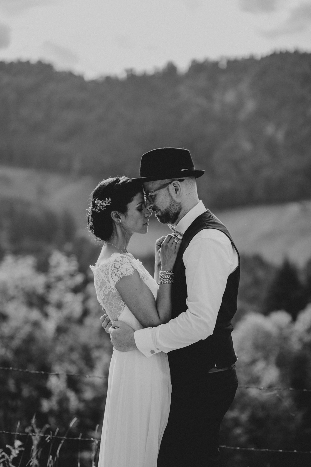 rustic barn wedding photographer munich 96