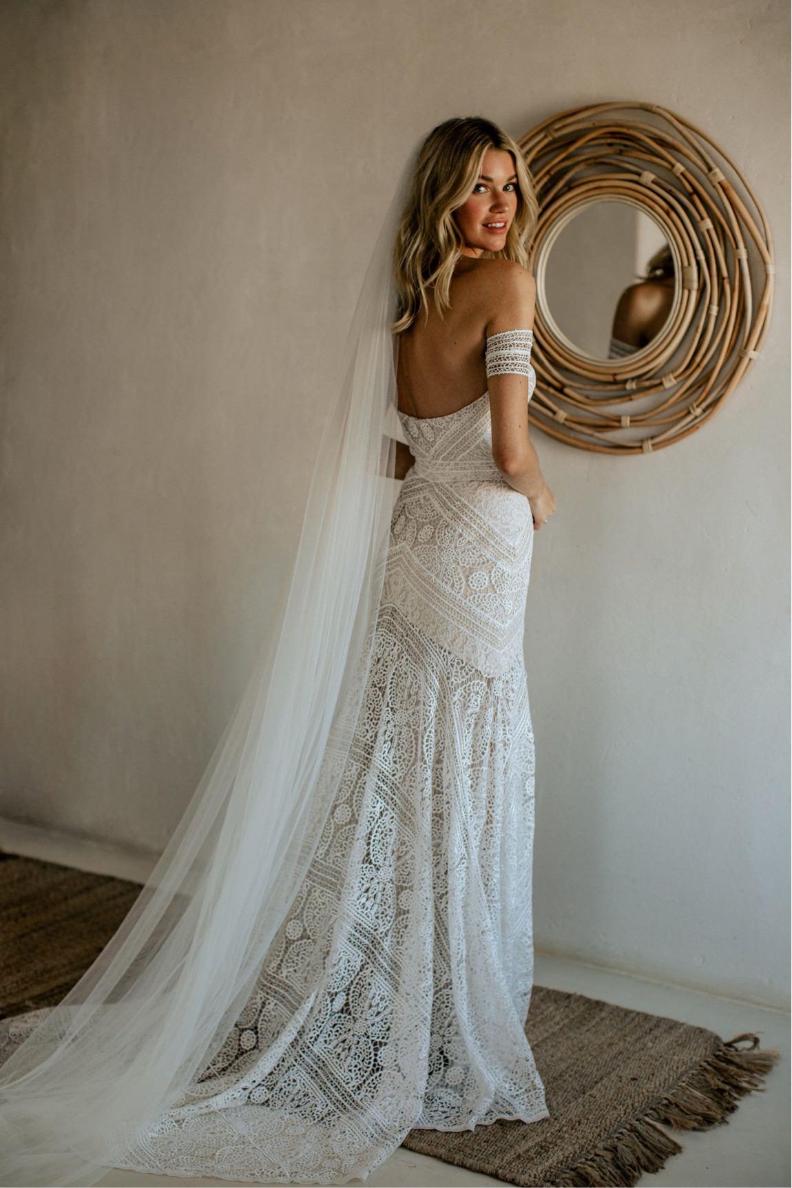 rue de seine bridal Hannah Cooper wedding Mykonos intime Hochzeit Mykonos Fotograf